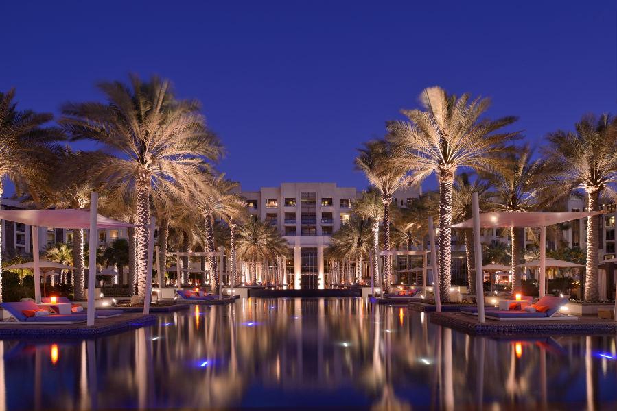 Hotel Ansicht bei Nacht