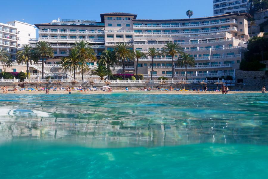 Hotel- Pool Aussicht