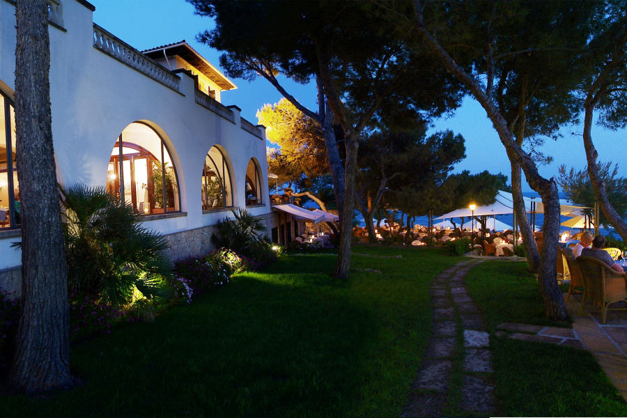 Restaurant Terrasse mit Meerblick