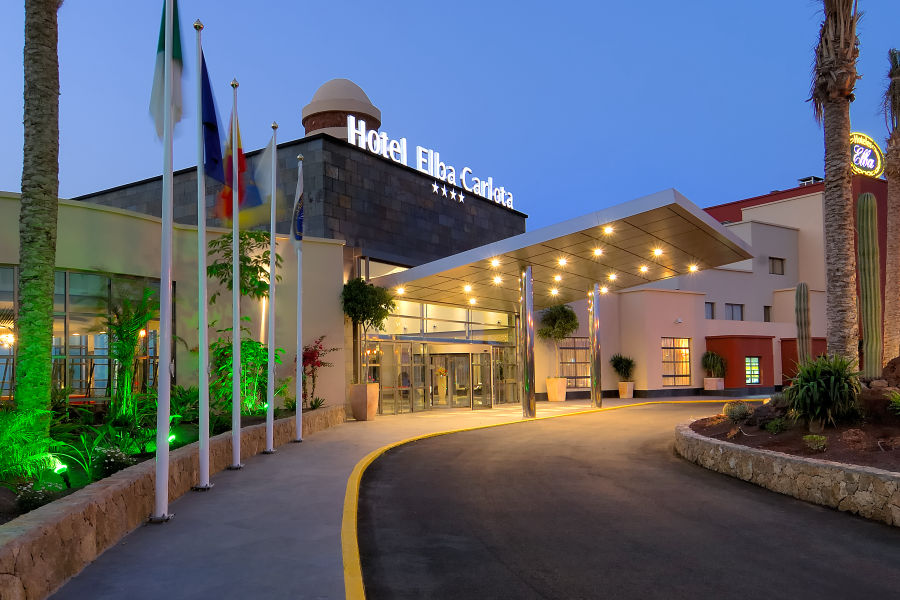 Hoteleinfahrt