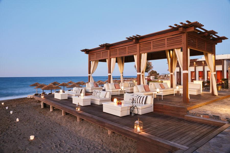 Sunset Lounge & Beach Bar