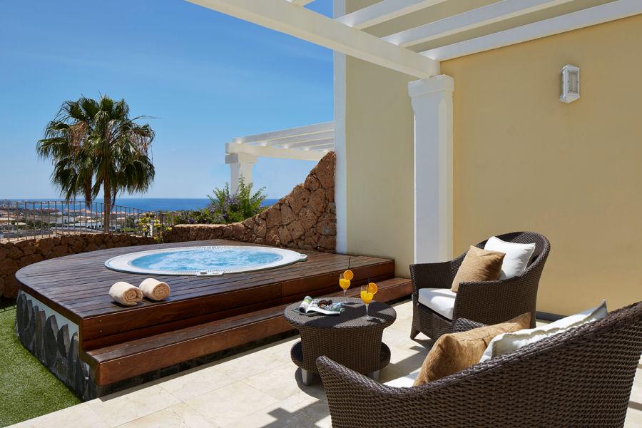 Villa mit 2 Schlafzimmern und Whirlpool