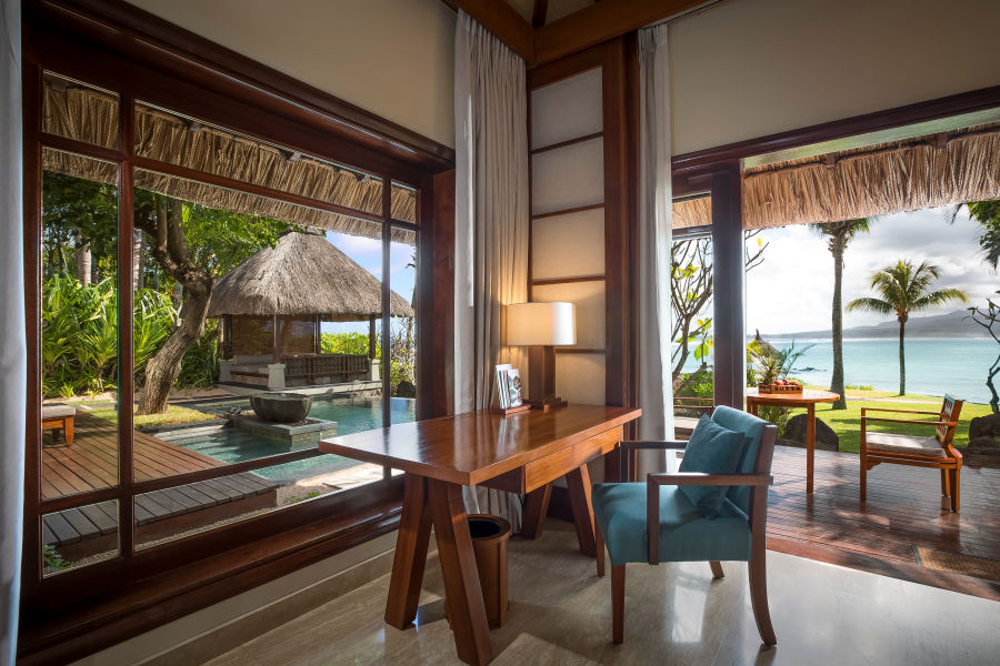 Beachfront Suite Pool Villa