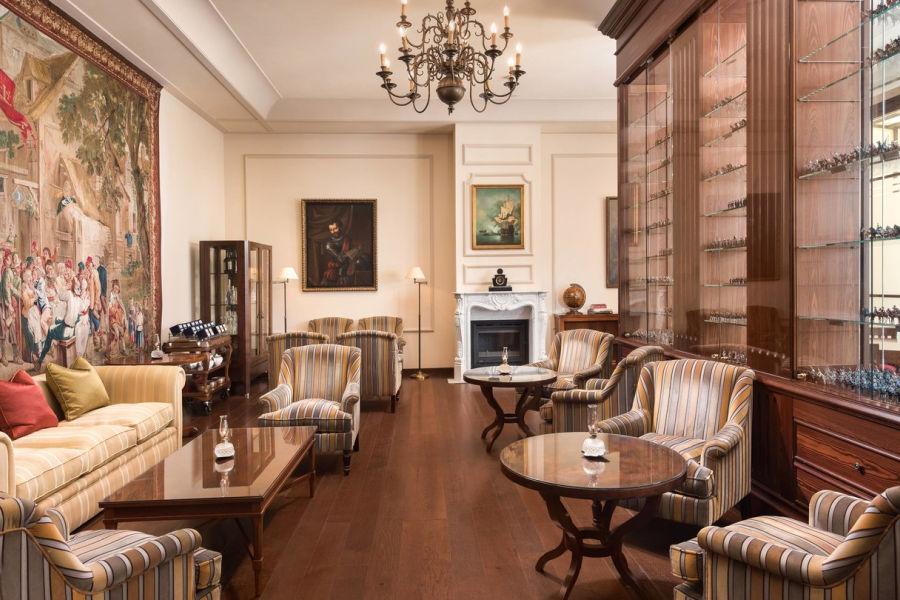 George Sand Lounge